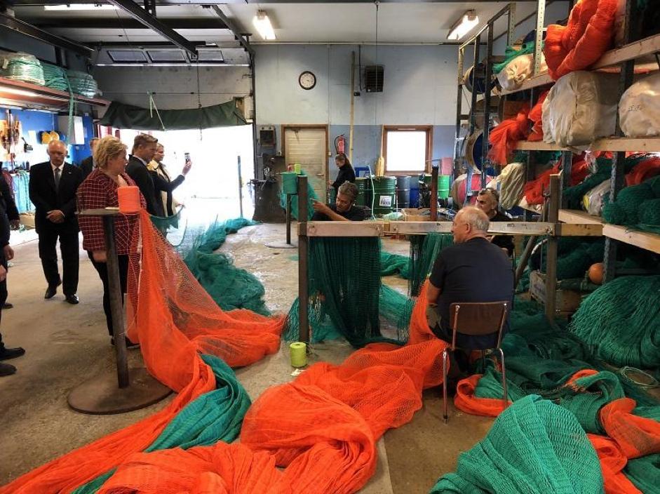 Statsministeren Besøker Utgårdskilen Fiskerihavn 1